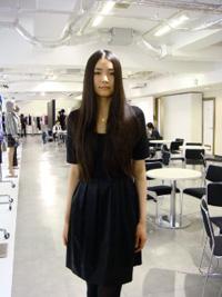 展示会では、新作をモデルが着て披露してくれることもある
