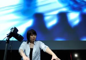 観客の目も刺激するMaerzMusik、 ベルリンの現代音楽祭で 日本の被災者に祈りをこめた演奏。