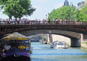 Par-delà le Pont  - 10 - ドゥブル橋(Pont au Double)不安や恐怖にも、明るい光をかぶせてくれるドゥブル橋。