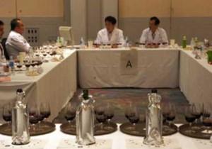 「国産ワインコンクール審査会」の審査法を審査する。
