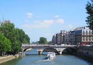 Par-delà le Pont  - 12 - サン・ミシェル橋(Pont Saint-Michel)天使のエネルギーが注ぎこむ今も昔も活気あふれる橋。