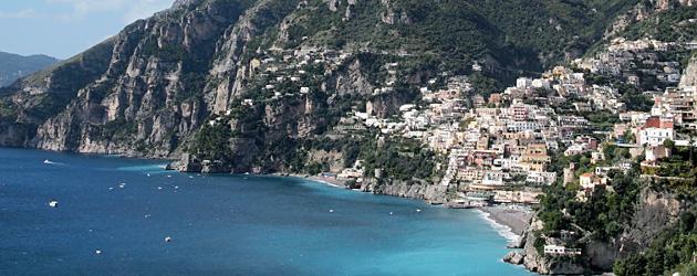 『アマルフィ&カプリ島 とっておきの散歩道』人はなぜ、ここに惹かれるのか?南イタリア、アマルフィ、カプリ。