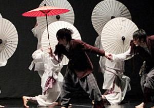 DAZZLEの演劇的ダンスは新鮮!11年12月と12年4月に東京で公演。