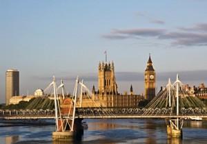from ロンドン - 3 - 斎藤理子のロンドンオリンピック便りロンドンでの移動は貸し自転車で。そして五つ星ホテルで極上の滞在を。