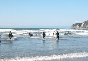 鎌倉材木座海岸と由比ケ浜