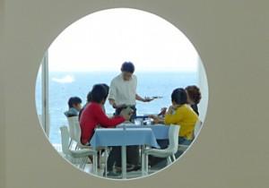 眺めのいい、横須賀美術館のレストラン