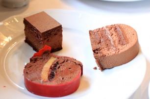 見た目は楽しいケーキですが、中身は実にクラシックで素直においしいと思わせる味わい。