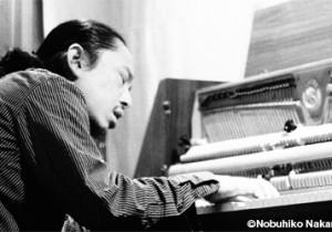 ソロピアノ『ヴィジオネール』発売&ツアー開催ピアノマン伊藤志宏が奏でるソロピアノは大人のための子守唄。