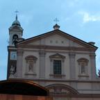 郊外にある「聖フランチェスコ・ロマーナ教会」のドゥオーモ。ガイドブックに掲載されていない立派な建物が市内に点在。