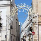 アルベロベッロの街の中小路。