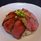 葉山牛のたたき丼は上品な味