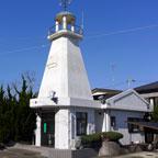 城ヶ島の交番は灯台仕様、社会を明るく照らします