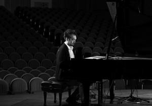 中島ノブユキさんのピアノソロ新譜『clair-obscur』2/19リリース20年前の構築的な曲がきっかけで、 中島ノブユキの新しい世界が誕生。