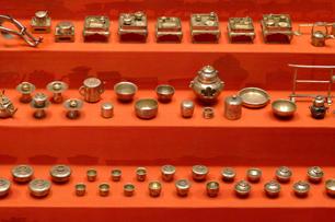 極小サイズの銀製雛道具は江戸後期の作品、三井苞子旧蔵品
