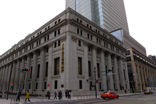 三井記念美術館がある三井本館は昭和初期の建築で、重要文化財だ