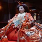 苞子が三井家に嫁いだ二年後、明治28年の古今雛は京都の人形師の作