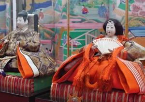 田中晃二の道草湘南《犬の鼻、猫の舌》 ひな人形ゆかりの日本橋は江戸の粋三井家のおひなさまで春を待つ。