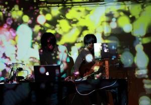 音楽&映像ユニットakisai『colors』リリース&ライヴ。四季を彩る風景を思いおこさせる「akisai」のデビュー作品。