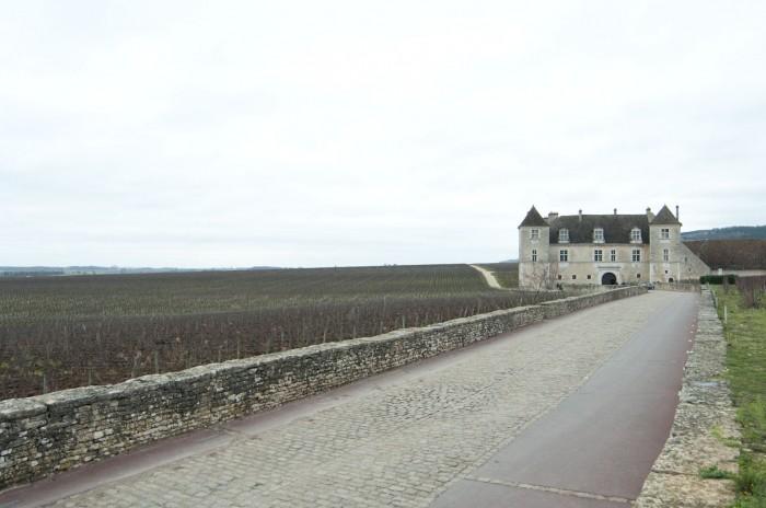 クロ・ド・ヴージョ城、ブルゴーニュ・ワイン造りの歴史遺産