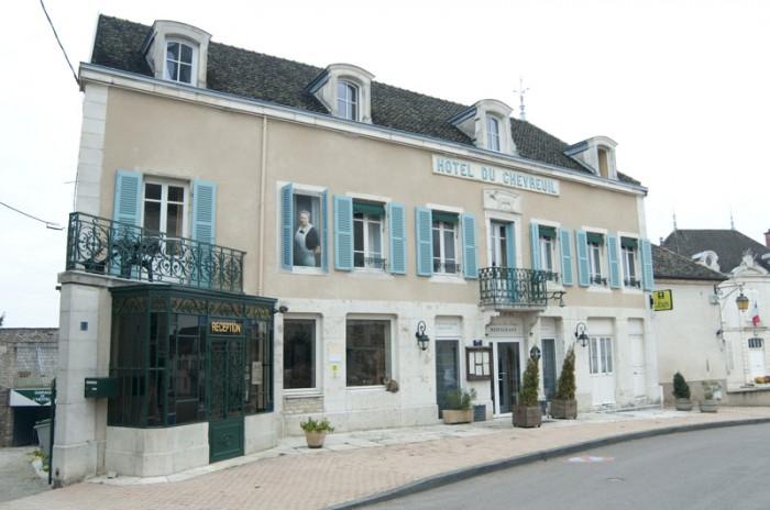 ムルソー村には小さなホテルもある