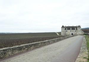 ブルゴーニュ観光案内 - 4 - クロ・ド・ヴージョ城ワイン造りの歴史遺産