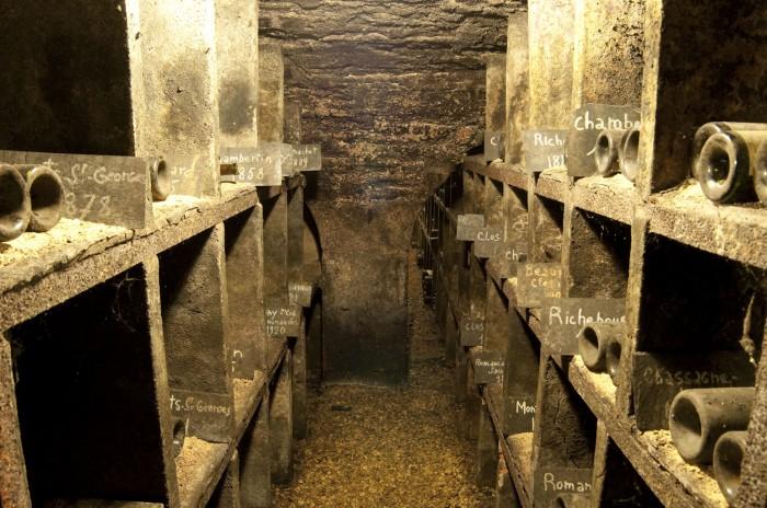 歴史遺産ともいえる古酒のストック。ボーヌ最古のメゾンというだけある