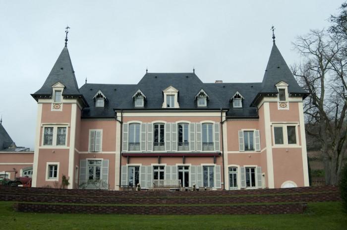 現在はスイス人の所有。2006年からワインツーリズムの営業をスタート。要予約