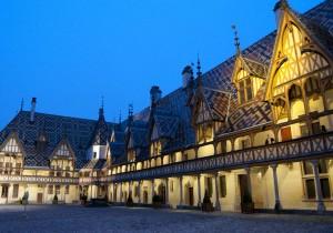 ブルゴーニュ観光案内 - 5 - オスピス・ド・ボーヌワイン・オークションで有名な修道院