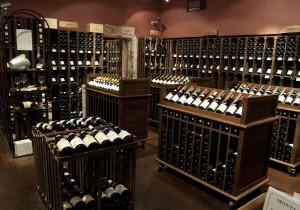 ブルゴーニュ観光案内 - 7 - 評判のワインショップで 掘り出し物を探す