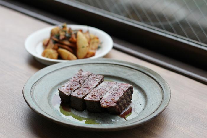 ファーマーズセレクションより「十勝産熟成肉のグリエ」3.200円/200g〜 さしのない牛肉の真の旨味を感じられます。
