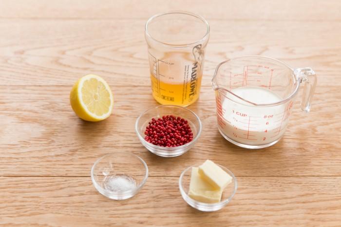ピンクペッパーソースのレモンクリームソース(4人分)