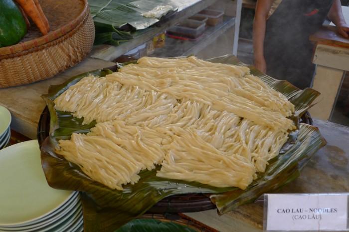 ホイアン名物のカオラウ(麺)