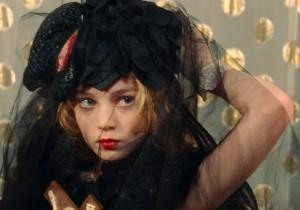 伝説の写真集『エヴァ』が映画に。E・イオネスコ監督『ヴィオレッタ』