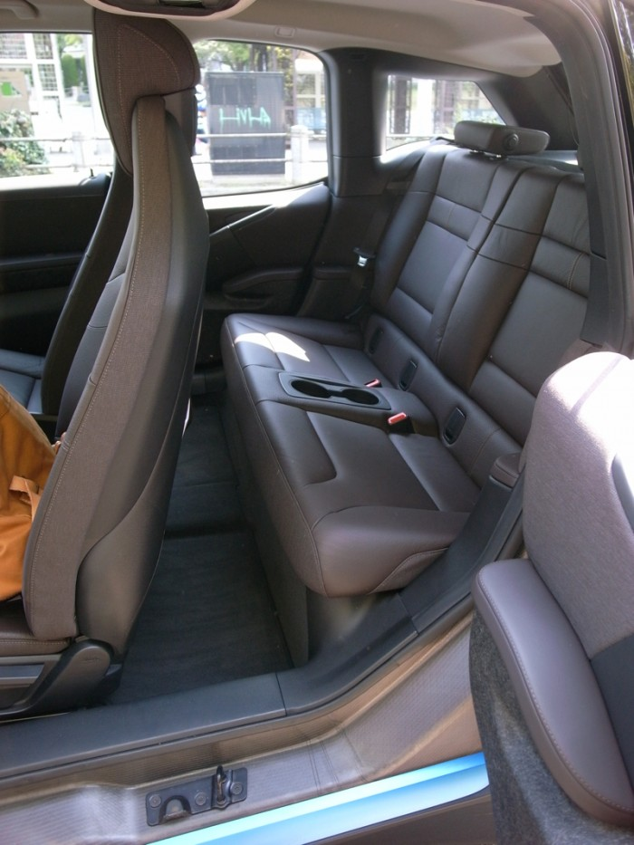 BMW i3-06
