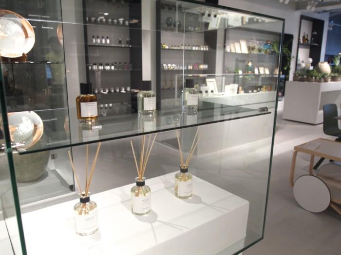 フレグランスは「臭覚の実験室」といわれるイタリアの『ラボラトリオ・オルファティーボ(Laboratorio Olfattivo)』が日本初上陸。そのほかフランスの『オノレ・デ・プレ(HONORÉ DES PRÉS)』など。
