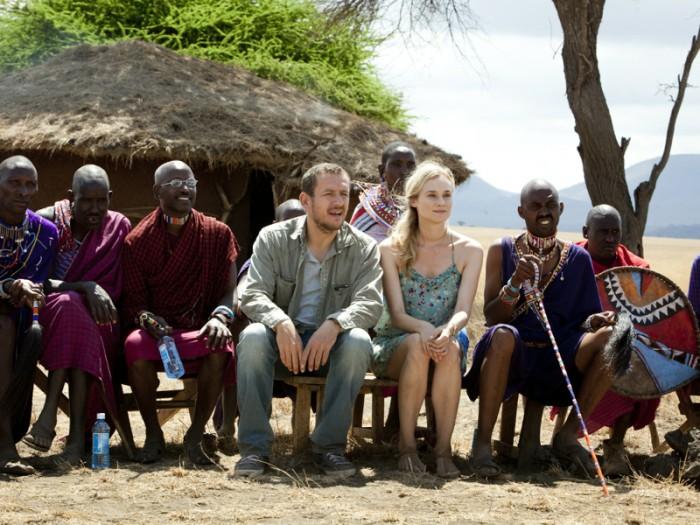 ジャン=イヴと結婚して即離婚しようと彼の取材先のアフリカに乗り込むイザベル。砂漠でライオンに遭遇したり、マサイ族の結婚式に参加したり。