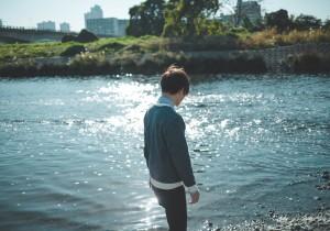 Water's Edge / [.que]、ライブ「We lcome Stranger 」開催。情景を音にして描いていく[.que]の音世界。