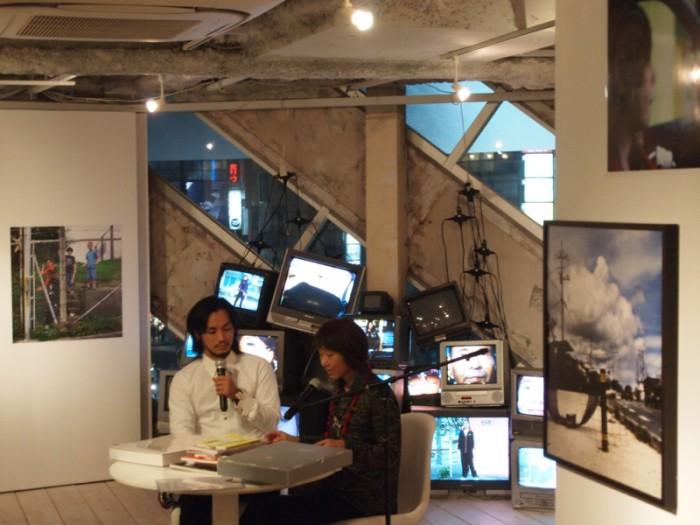 石川竜一 写真展 『zkop』「絶景のポリフォニー」「okinawan portraits 2010-2012」