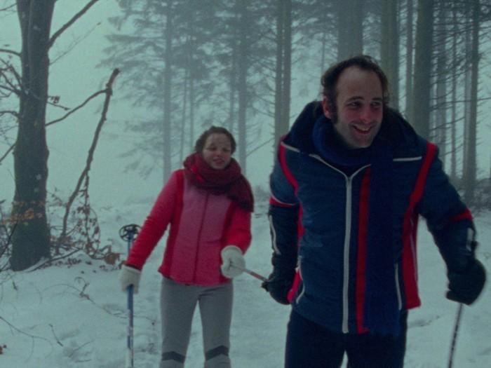 ワイナリーを訪れたり、スキーに出かけたり……デートを重ねるふたり。メロディはマクシムが失いかけている若さに満ちあふれているのだ。幸福に真っ只中にもかかわらずメロディは別れの不安を口にする。
