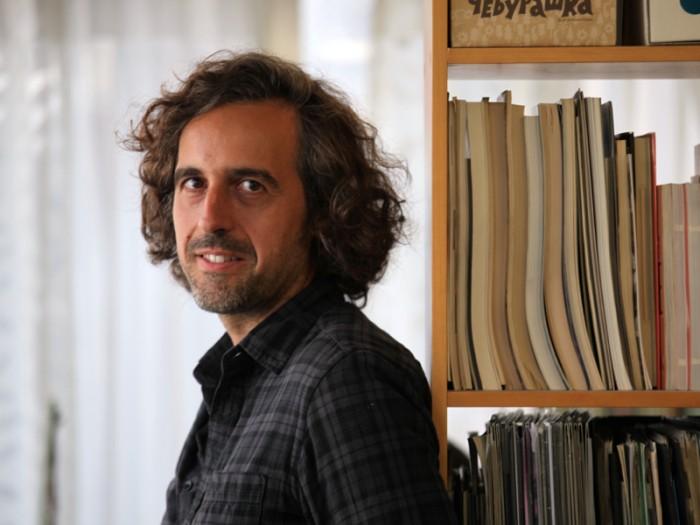 tonnerre-Guillaume Brac-10 ギヨーム・ブラック監督プロフィール Guillaume Brac経営を学んだ後FEMIS(フランス国立映画学校)で映画製作を学び、在学中に短篇を監督。2008年友人と製作会社『アネ・ゼロ(Année Zéro)』を設立、短編『遭難者 Le naufragé』、『女っ気なし Un monde sans femm』を製作。2013年、長篇第1作である『やさしい人 TONNERRE』を第66回ロカルノ国際映画祭コンペティション部門に出品。2014年1月にフランスで劇場公開された。© 2014 by Peter Brune
