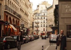 from パリ(河)- 30 - 何度でも訪れたくなる、パリの素敵な街路。