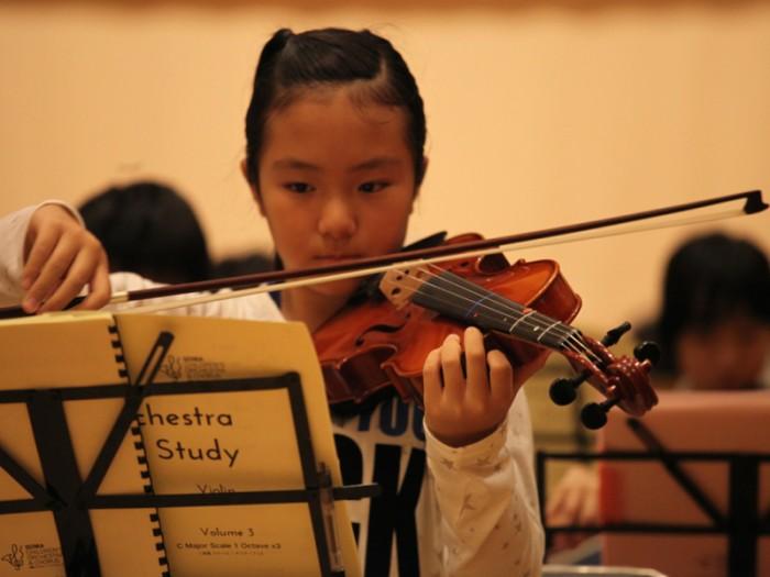 みんなと学び合ううちに、ひとりでも練習できるようになる。