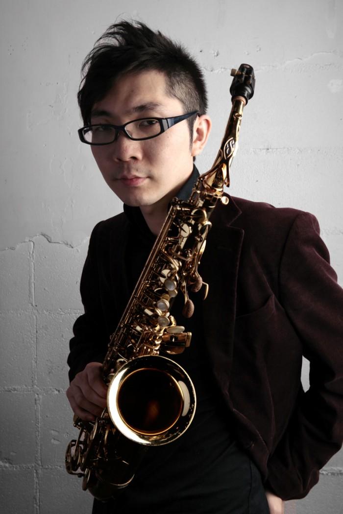 大石俊太郎(編曲、サックス)  サックス奏者、作曲家、赤レンガ倉庫1号館音楽ディレクター。東京芸大在学中よりプロサックス奏者として活動スタート。ジャズ、ポップス、ジャンルを超えた新しい音楽を送り出している。