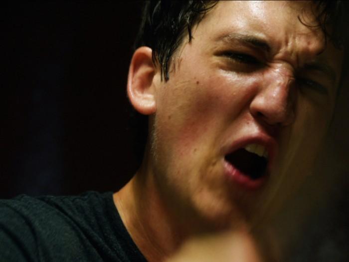 怒鳴られ、罠をもしかけられ、ニーマンは次第に追い詰められていく。『セッション』© 2013 WHIPLASH, LLC.  ALL RIGHTS RESERVED.
