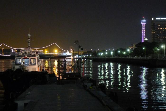 昔の小さな桟橋に来ると、ポルトガルの港の気分。