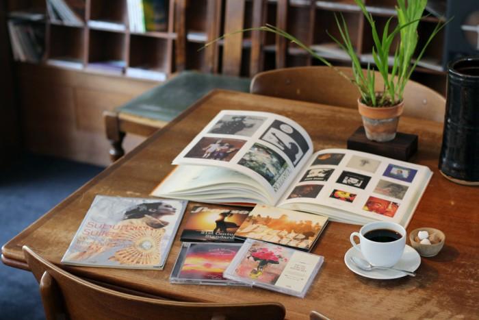 渋谷『Cafe Apres-midi』にて Photo by Mika NAKASHO