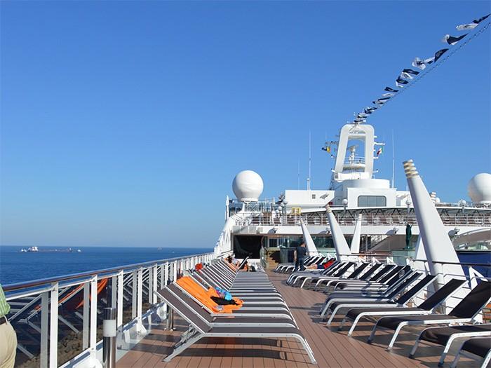 地中海クルーズ船プレチオーサのデッキ。