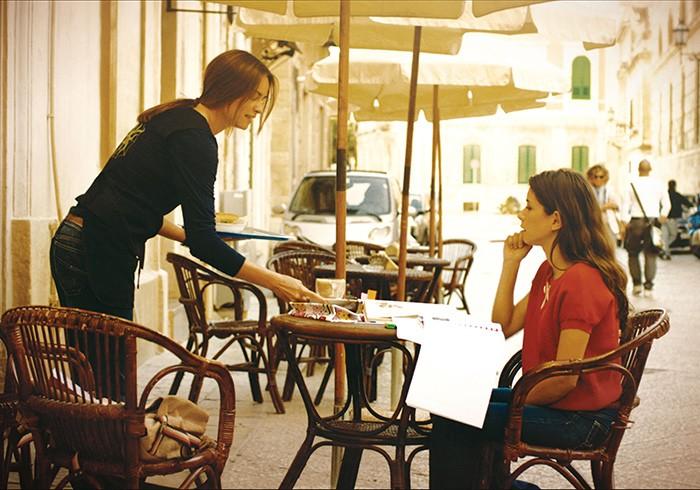 『カプチーノはお熱いうちに』©)2013 All rights reserved R&C Produzioni Srl - Faros Film