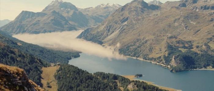恩師ヴィルヘルム・メルヒオの戯曲『マローヤの蛇』。タイトルになっている『マローヤの蛇』とはイタリア・アルプスからマローヤ峠を超えシルス・マリアの湖に流れてくる雲が形作る自然現象の絶景のこと。
