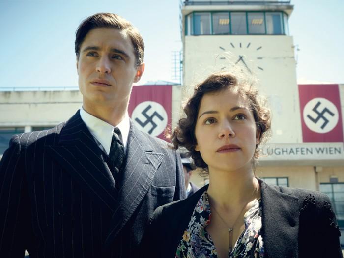 マリアの家に大切飾られていた肖像画はナチス・ドイツに没収されてしまう。